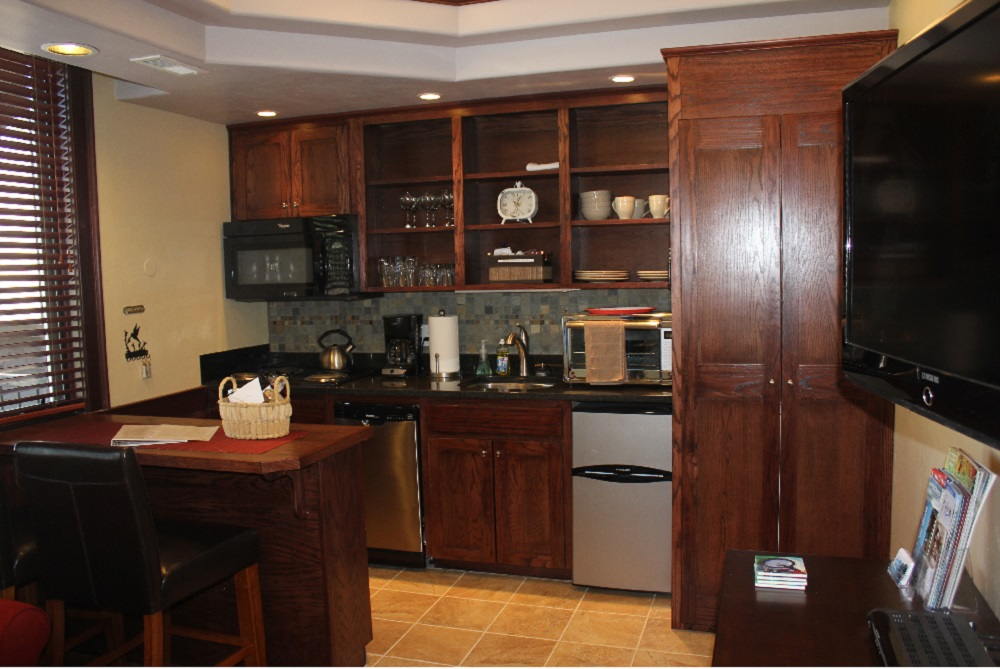 Gallery Image HH-Kitchen-1000x666.jpg