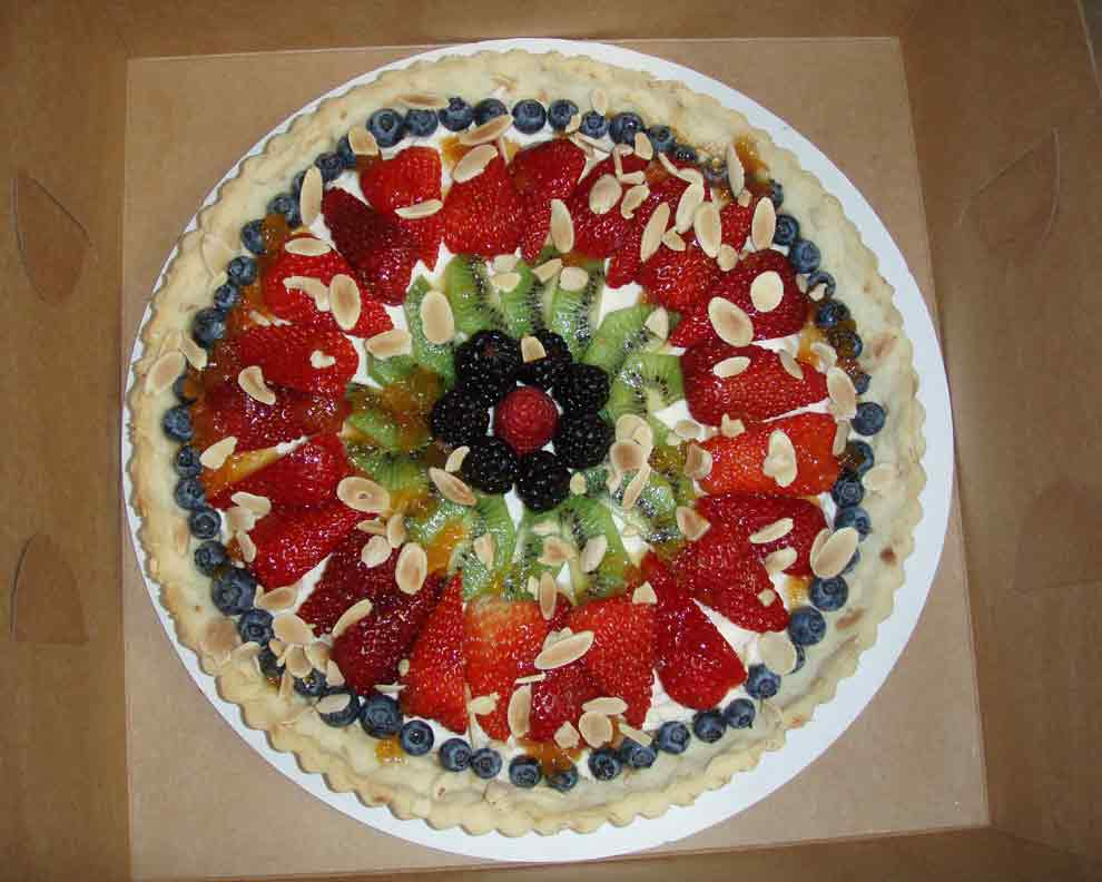 Gallery Image R-Almond-Fruit-Tart-3.jpg