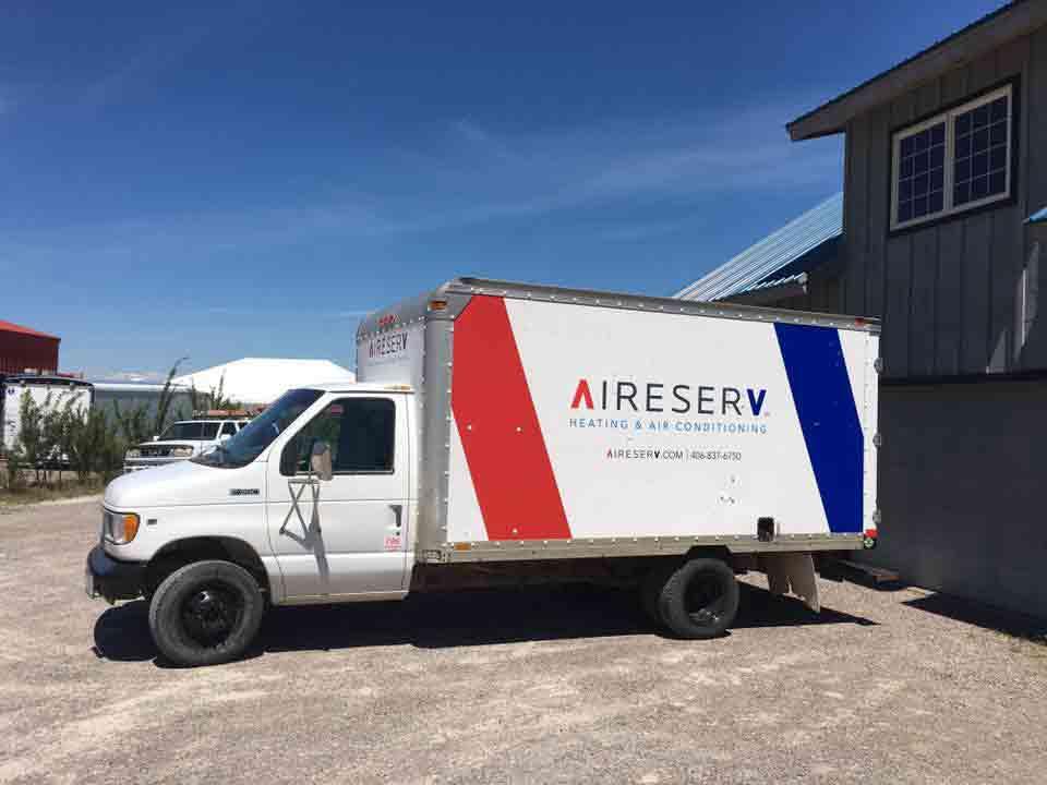 Gallery Image r-install-truck.jpg