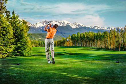 Gallery Image golfer-with-mountains.jpg