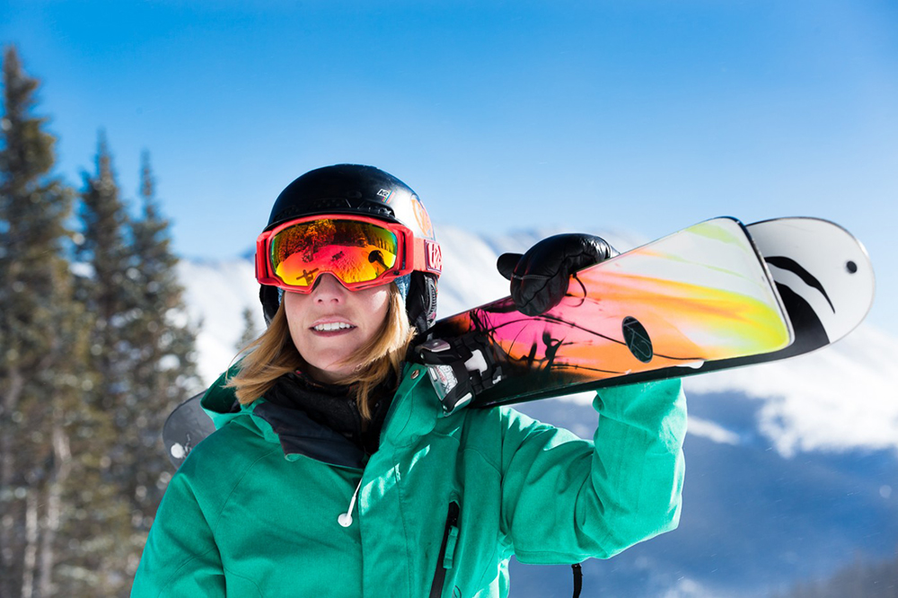 Gallery Image skiing-picture.jpg