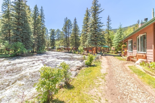 Gallery Image River-Spruce-property0G0A0712-HDR.jpg