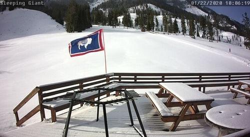 Gallery Image skiareawebcamview_060320-033107.jpg