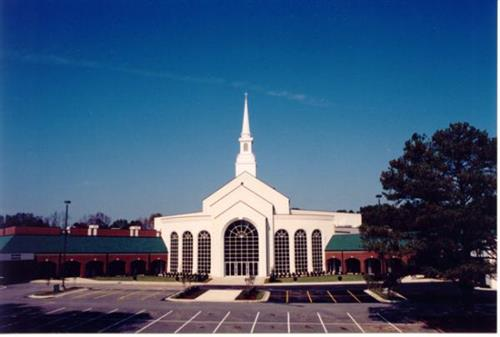 Gallery Image color-pic-of-church-31.jpg