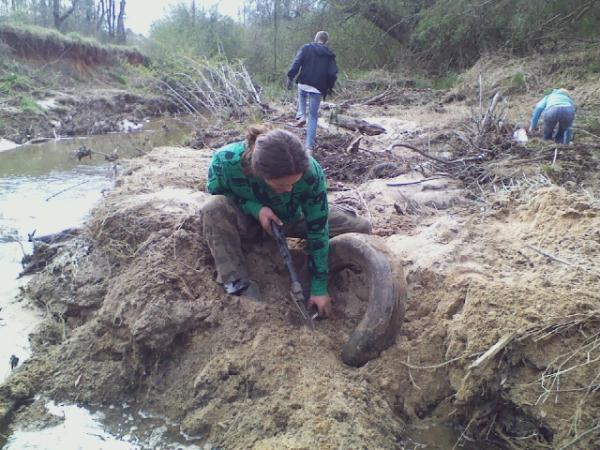 Water and tire dig