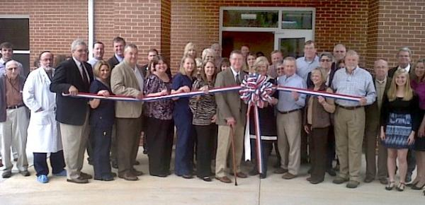 Gallery Image Ribbon%20Cutting%20SCH%20Wound%20Care%20Ctr%202-20-14.jpg