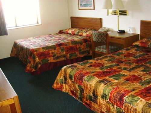 Super 8 Pierre Standard Two Queen Bed Room