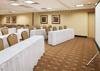 Gallery Image HX_meeting001_19_425x303_FitToBoxSmallDimension_Center.jpg