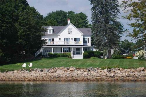 Maine House from York harbor