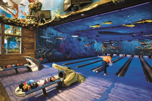 Gallery Image Uncle%20Buck's%20bowling%20alley%202.jpg