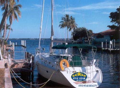 Enjpy the Five Star lifestyle in beautiful Punta Gorda, Florida.