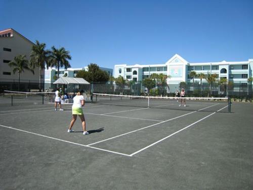 Gallery Image Isles-Tennis.jpg