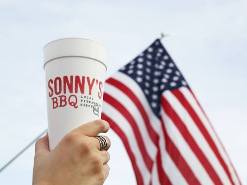 Gallery Image sonnys%20cup%20and%20flag.jpg