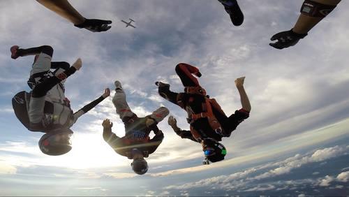 Gallery Image skydive%202.jpg