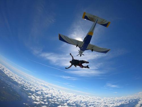 Gallery Image skydive%205.jpg