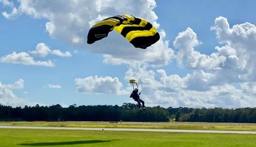 Gallery Image skydive%206.jpg