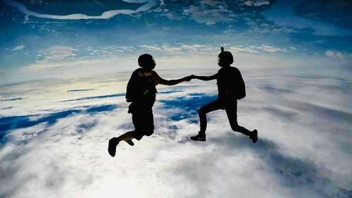 Gallery Image skydive%207.jpg