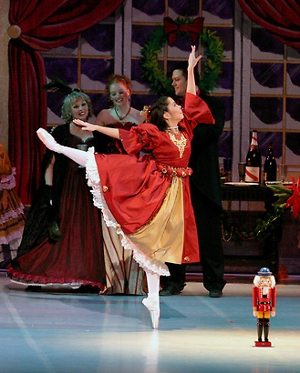 Gallery Image the_nutcracker_ic7j.jpg
