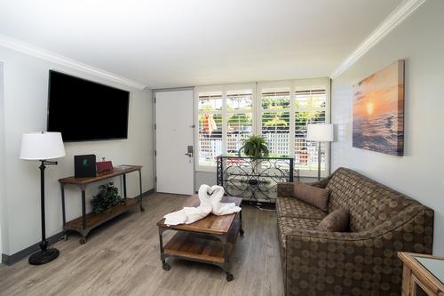 Garden Suite Living