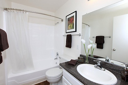 Gallery Image 2-bed-2-bath05b.jpg