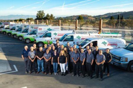 Gallery Image to-plumbing-team-photo-e1536772622753.jpg