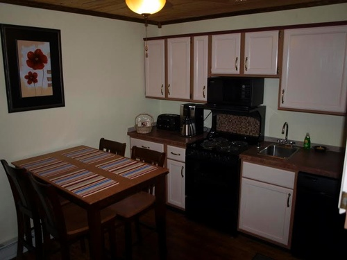 730 sq ft Family Suite with full kitchen and many extras