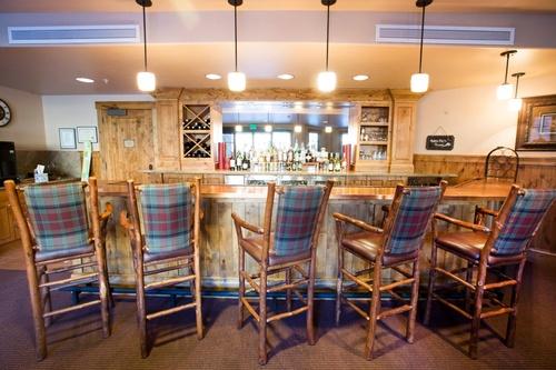Gallery Image WW%20Alpine-Club-Bar-4.jpg