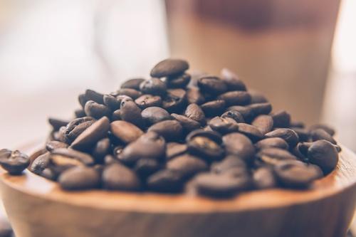 Gallery Image Closeup_of_Coffee_Beans.jpg