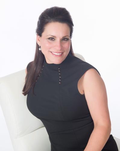 Leslie Howard- Broker Associate