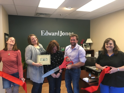 Gallery Image RibbonCutting_Davis_Feb2019_b.jpg