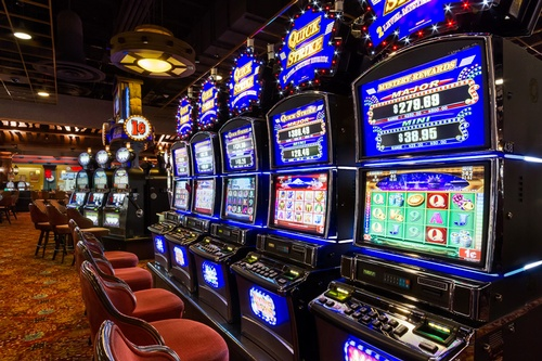 Gallery Image DW_Casino_Floor_Slots_2-807949-full.jpg