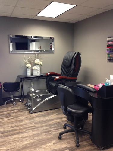 Salon lux beauty salons spas cosmetics and skin care for Lux hair salon
