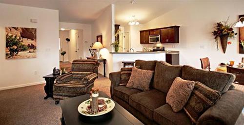 Gallery Image large-farmington-apartments-open-floor-plans.jpg