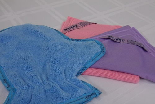 The Household Package includes the dusting mitt, EnviroCloth and Window Cloth.