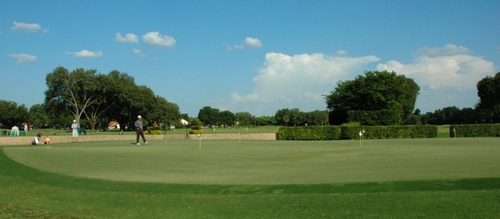 Gallery Image Practice_Putting_Greens-1024x572-1366x600.jpg