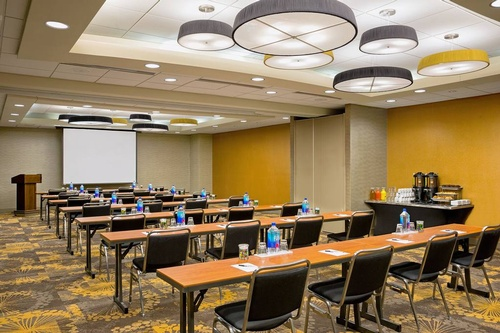 Our Sinequa Room is able to accommodate up to 100 guests!