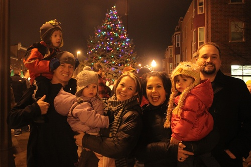 Gallery Image Kristin%20Holtz%20-%2020141205a%20Holiday%20Festival%20Families.jpg
