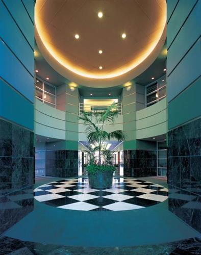 Gallery Image CGateway_lobby_070111-020148.jpg