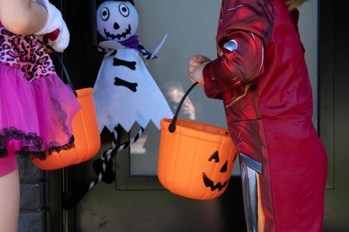 Gallery Image McCabe's%20Costumes%20Pic%202.jpg