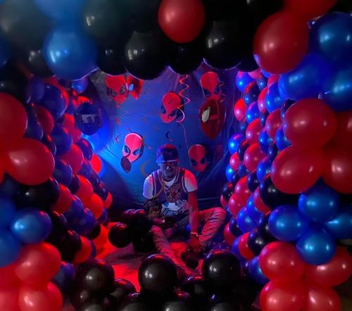 Gallery Image balloons4.jpg