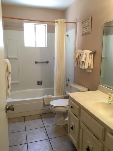 Gallery Image PCV%20Bathroom.jpg
