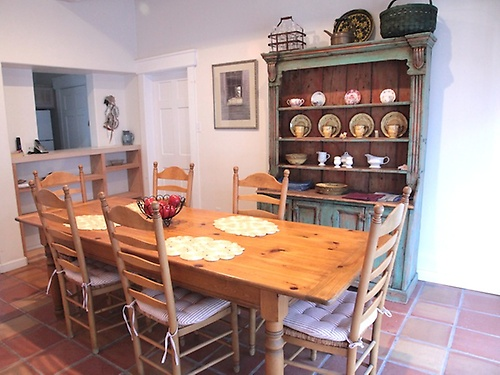 Helentina Dining Room
