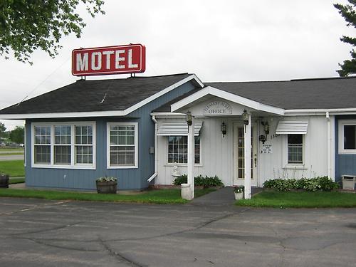 Gallery Image Motel%20slide%20show%20002_190614-095843.jpg