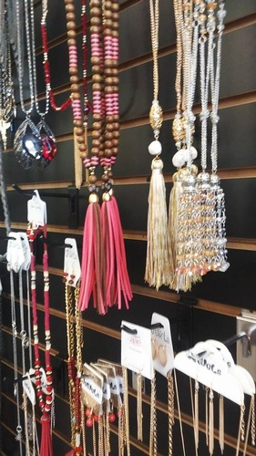 Gallery Image jewelry%202.jpg