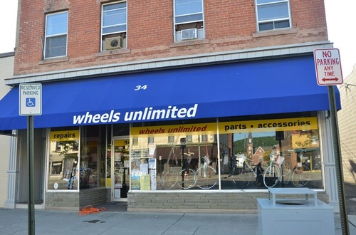 Gallery Image wheels%20unlimited%20storefront.jpg