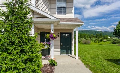 Gallery Image apartment-entrances.jpg