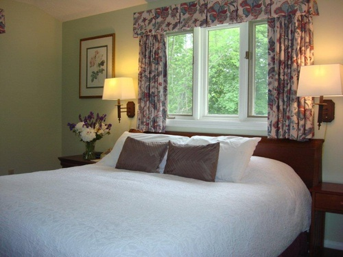 Grand guest room