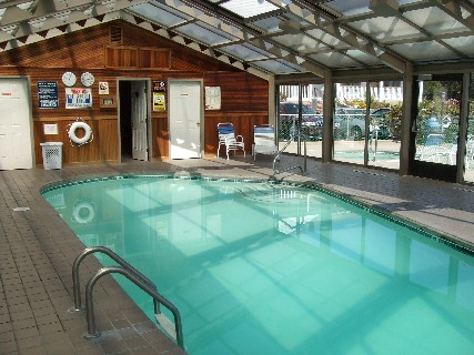Mariner Resort indoor pool