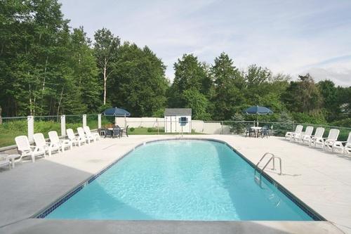 Seafarer outdoor pool