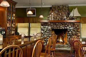 Cape Neddick Inn bar